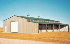 LARGE FARM BUILDING WITH LEAN-TO